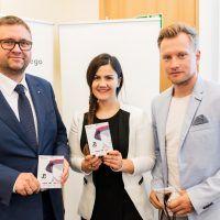 Jan Ołdakowski, Agnieszka Łesiuk, Jakub Wesołowski na konferencji inaugurującej kampanię BohaterON